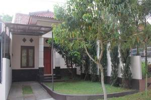Villa Ruga Bandung - Tampilan Luar Hotel