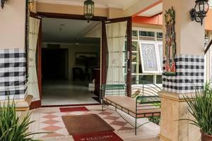NIDA Rooms Taman Mini Pasar Minggu - Eksterior