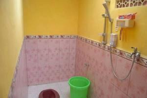 Darmo Homestay Malang - Kamar mandi