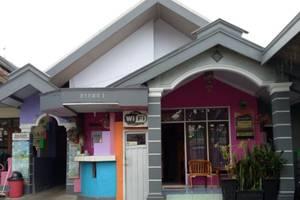 Darmo Homestay Malang - Recepsionis