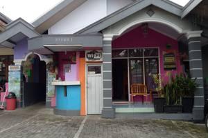 Darmo Homestay Malang - Resepsionis