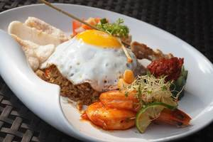 J4 Hotels Legian - food