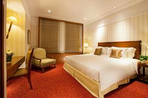 Redtop Hotel & Convention Center Jakarta - Dynasty Suite Room