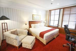 Redtop Hotel & Convention Center Jakarta - Executive Suite