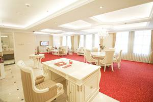 Redtop Hotel & Convention Center Jakarta - President Suite