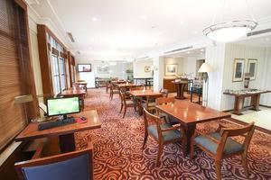 Redtop Hotel & Convention Center Jakarta - Plaza Club Lounge