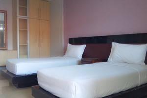 Hotel Omega Karawang - Twin Suite