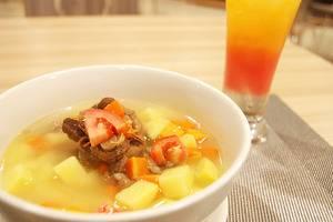 TOP Malioboro Hotel Yogyakarta - Makanan