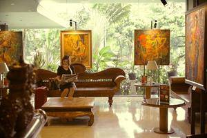 Weta International Hotel Surabaya - Lobby