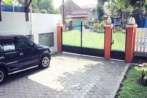 Simply Homy Guest House Taman Siswa Yogyakarta - Area parkir