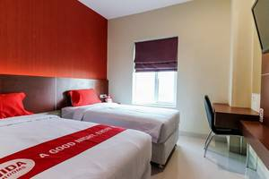 NIDA Rooms Racing Center Makassar - Kamar tamu