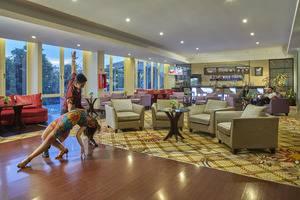 Jambuluwuk Malioboro Hotel Yogyakarta - Batik Lounge