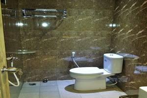Wisma Ahlen Pangandaran Pangandaran - Kamar mandi shower