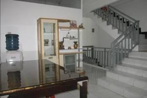 Providence Homestay Surabaya - Arround