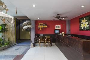 RedDoorz @Bakung Sari Kuta 2 Bali - Resepsionis