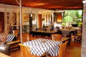 De Tropis Guest House Bandung - Cafe