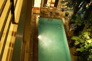 Kyriad Pejaten Suites Jakarta - Kolam Renang
