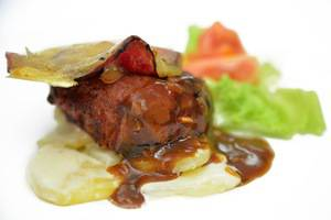 Kyriad Pejaten Suites Jakarta - Food