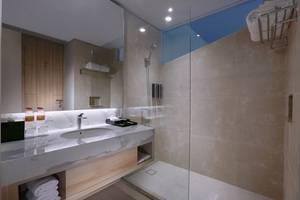 Harper Cikarang Bekasi - Superior Bathroom
