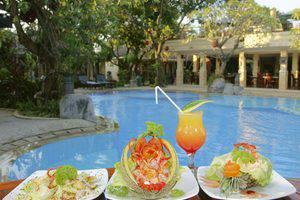 Melka Excelsior Hotel Bali - Restaurant & Pool Bar
