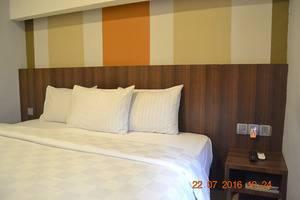 J Hotel Medan - Eazy tempat tidur double