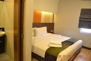 J Hotel Medan - Tempat Tidur Double