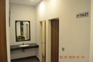 J Hotel Medan - Lobi Toilet