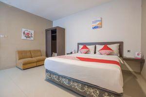 OYO 1679 Hotel Century Makassar
