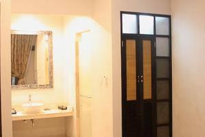 Vamana Resort Lombok - Kamar mandi