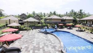 Sambi Resort, Spa & Restaurant Kaliurang - Pool
