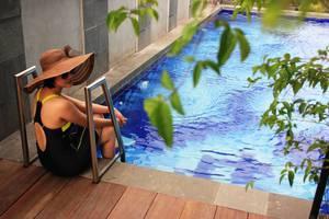 Agria Gino Feruci Hotel Bogor - SWIMMING POOL
