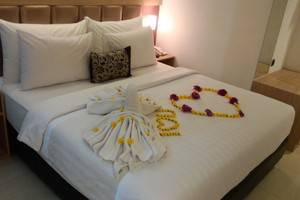 Agria Gino Feruci Hotel Bogor - kamar honeymoon