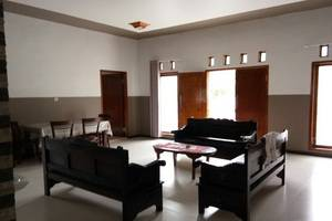 HTM Guesthouse Bromo Probolinggo - Interior