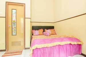 ABR 4 Homestay Malang - Kamar tamu