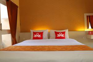 ZenRooms Denpasar Gelogor Carik 2 - Tampak tempat tidur double