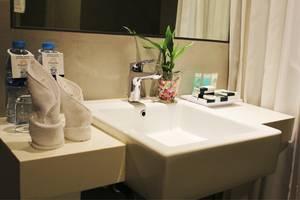 Pesonna Hotel Pekanbaru - BATHROOM