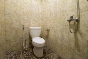 RedDoorz @Salemba Raya Jakarta - Kamar mandi