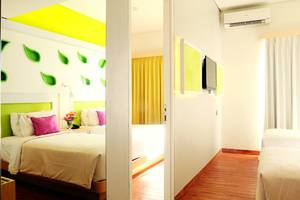 Shakti Hotel Bandung - Love Room with Double and Twin Bed (Family Room)