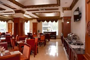 Quds Royal Hotel Surabaya - Breakfast area