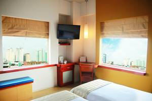 Tinggal Premium at Mangga Besar Raya Jakarta - Bar kamar tamu
