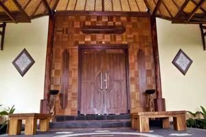 Junjungan Suite Villa Bali - Pintu masuk