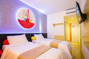 Front One Inn Muntilan Magelang - Twin Bed