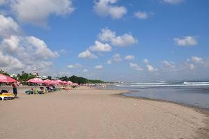 RedDoorz @Raya Kerobokan 2 Bali - Pantai Double Six