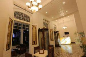 Alimar Hotel Malang - Arround