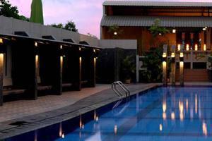 Hotel Asia Solo - Kolam Renang