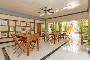 ZenRooms Celagi Basur Bali - Ruang makan