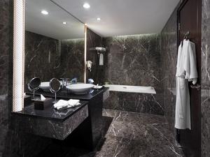 Cambridge Hotel Medan Medan - Kamar Mandi Junior Suite