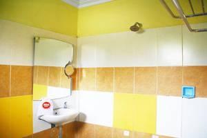 NIDA Rooms Sentalu Heritage Jogja - Kamar mandi