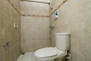 RedDoorz @Pasteur Bandung - Kamar mandi