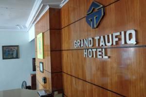 Grand Taufiq Hotel Tarakan - Lobi hotel